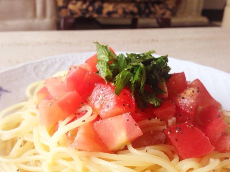 定番も隠し味で差がつく   【トマトの冷製パスタ】