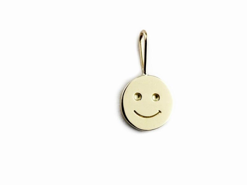 les desseins de DIEU 825 Smile Charm